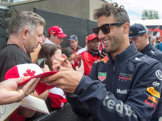 Canada_F1_GP_Auto_Racing_31198.jpg