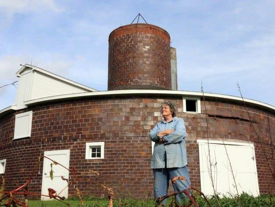 635786239379201434-hayward-barn-2