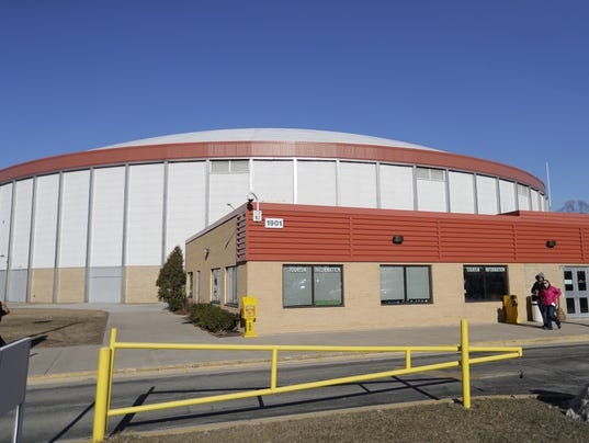 636250296688012150-031017-Brown-County-Arena.jpg