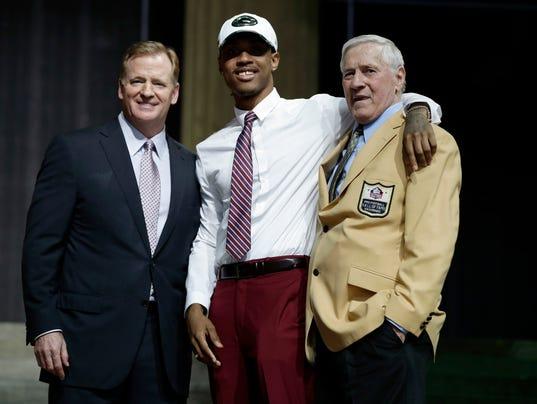 636591687563469894-AP-NFL-Draft-Football.jpg