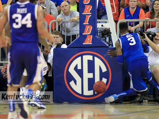Kentucky freshman NerlensNoel's left knee bends in a way it was not designed to bend after he tried to block a shot against Florida.