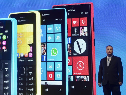 Plus-sized phones dominate wireless trade show