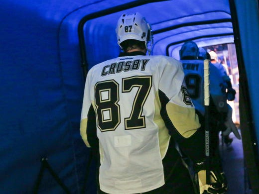 Sidney Crosby and company walked through the NHL with a season-best 15-game winning streak. But it ended short of the record 17 in the first game after Crosby was hurt. A game-by-game look at the streak: