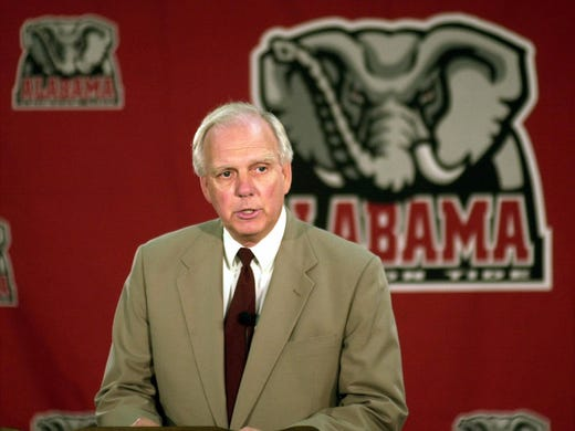 Mal Moore became the Alabama athletics director in 1999.