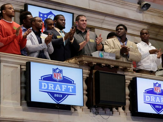 The NFL draft just welcomed 254 new players enter the league. But that doesn't mean there won't be more talent for teams to mine. If history is any indication, there might be a Hall of Famer or two available who doesn't hear his name called at draft time. USA TODAY Sports' Nate Davis has compiled an all-time team of undrafted NFL players (with their colleges in parentheses).