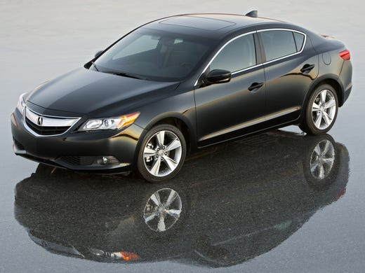 2014 Acura ILX gets a makeover to try to get it back in the game