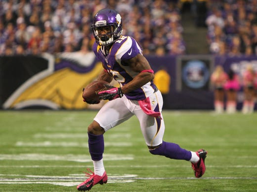Percy Harvin carries the ball as the Vikings defeated the Titans, 30-7 in October 2012.