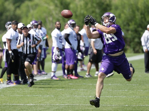 Minnesota Vikings tight end John Carlson (89) is shown during the Vikings NFL football mini-camp, Wednesday, June 19, 2013 in Eden Prairie, Minn.