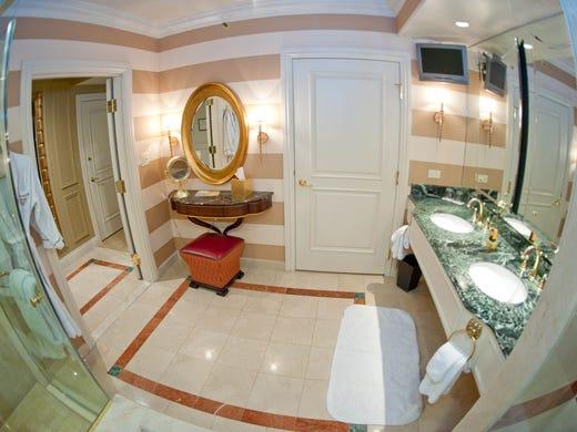 Best Hotel Bathrooms In Las Vegas