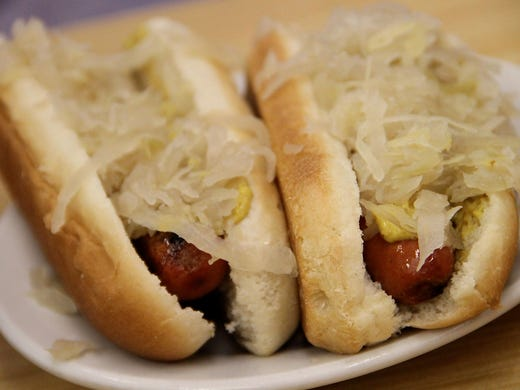 Hot Dogs With Skin That Snaps