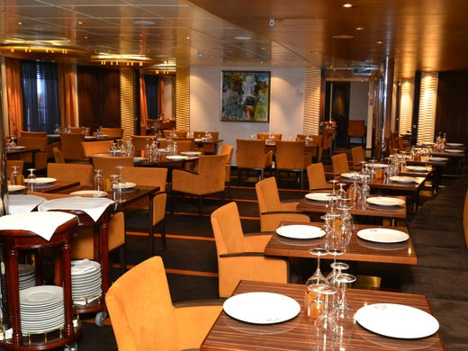 Where Are The Main Dining Rooms On Carnival Sunshine
