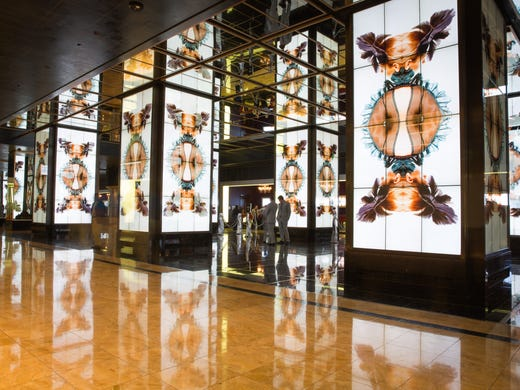 hotels get more creative with digital screens