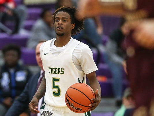 636557108684510762-0228-hs-boys-basketball-Attucks-Brebeuf-JRW23.JPG