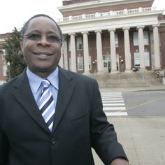 MTSU President Sidney McPhee, university to be honored by American Red Cross