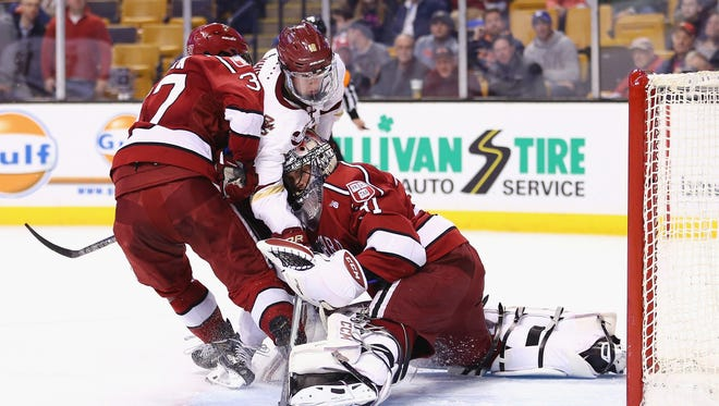Harvard goalie Merrick Madsen could be signed by Flyers at the end his junior season.