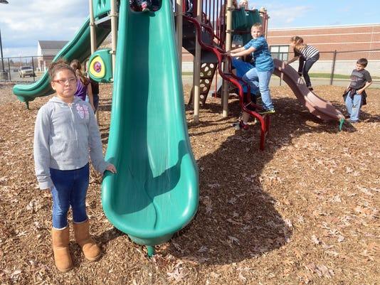 635830285056087374-02-zan-playground-equipment
