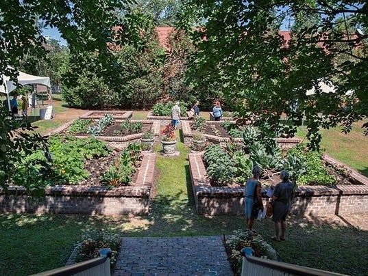 636619069655980902-Maclay-gardens.jpg