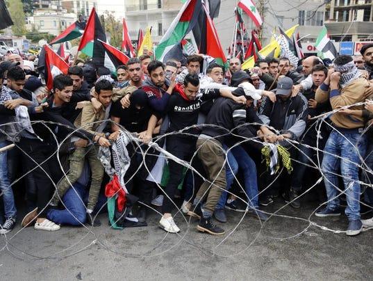 636484782925137810-Lebanon-protests-over-U.S.-Embassy.jpeg