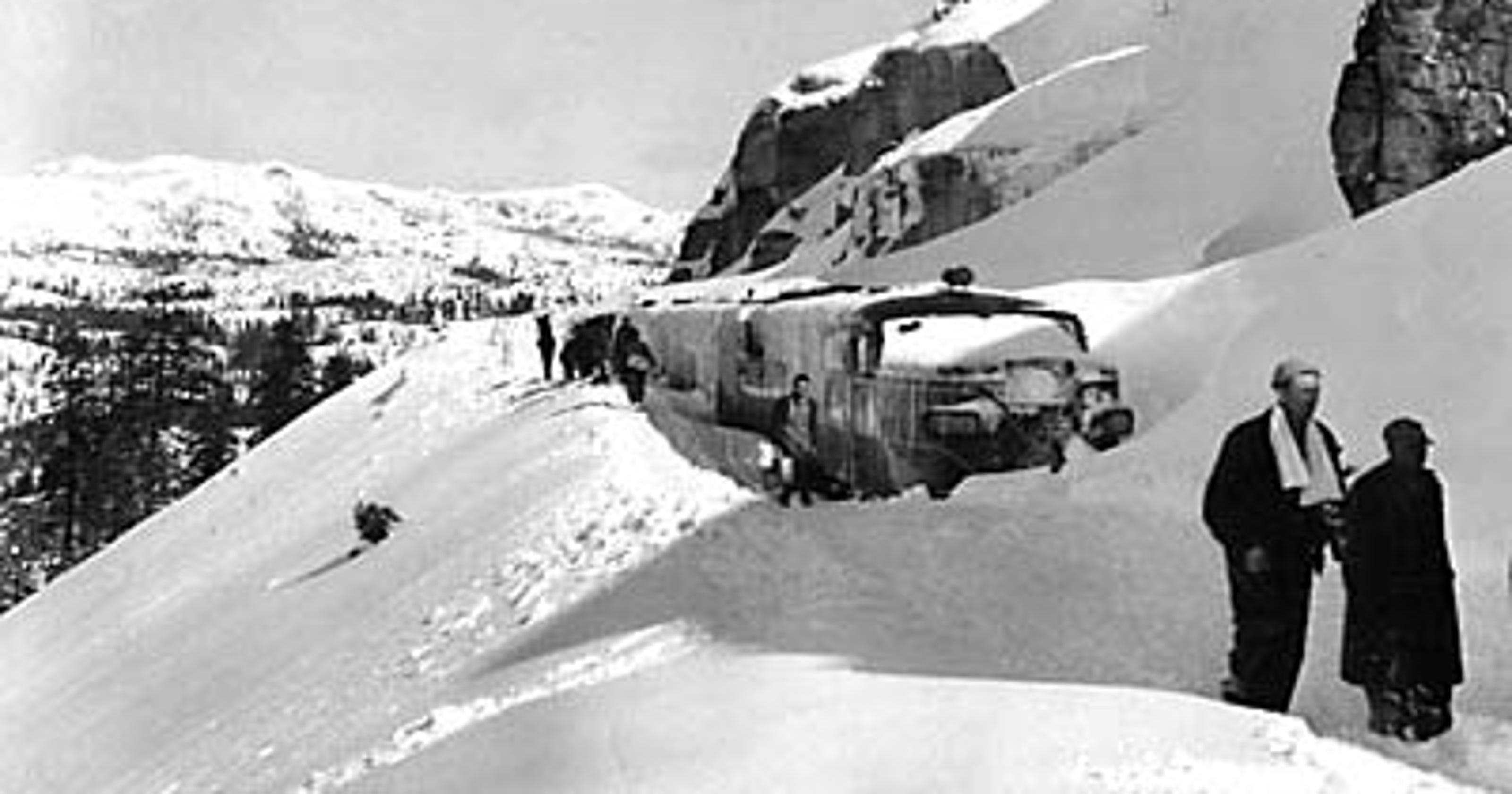 The aftermath of the 1952 stranded SP Streamliner
