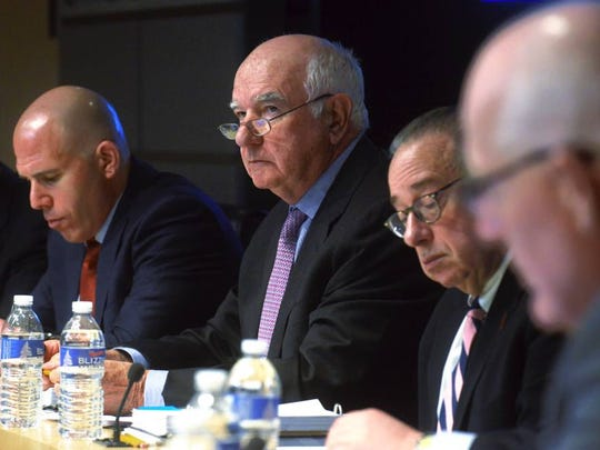 Port Authority Vice Chairman Scott Rechler, left, at a board meeting prior to his resignation in 2016.