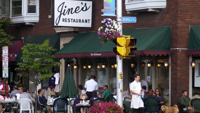Outdoor dining at Jines Restaurant along Park and Berkeley avenues.