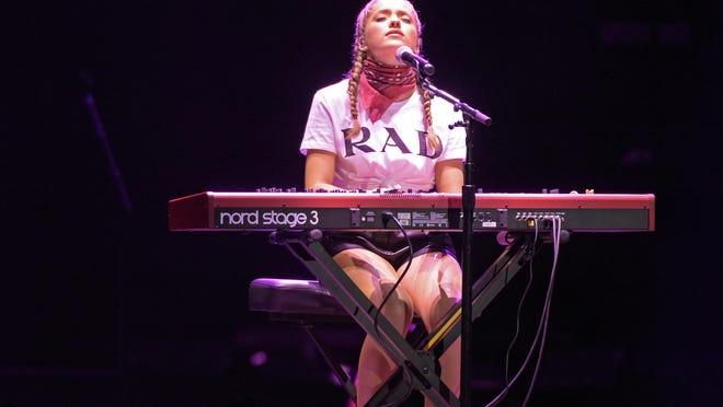 Singer Brynn Cartelli opens for Kelly Clarkson Thursday at Little Caesars Arena.