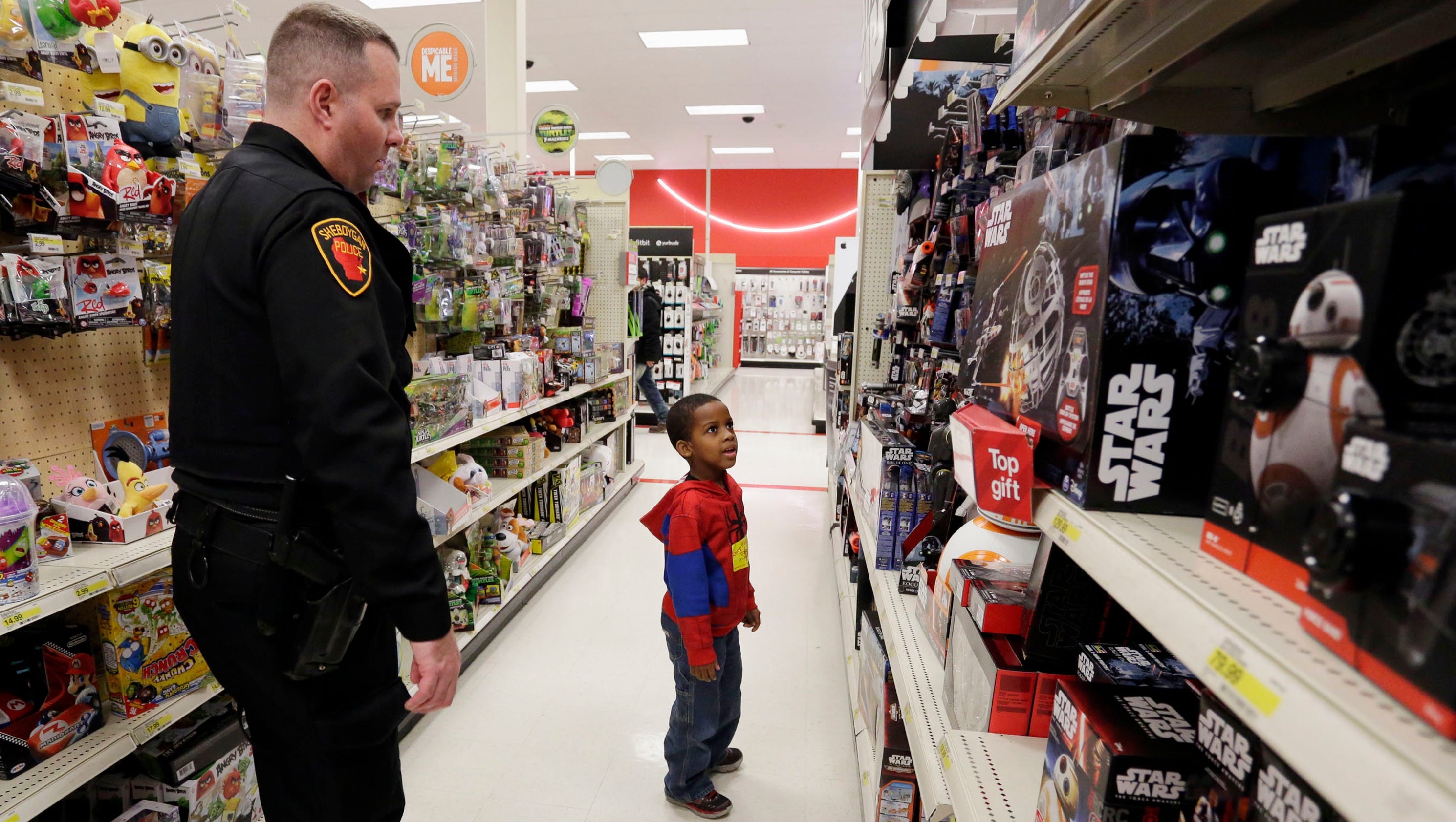 shop with a cop enters 18th year of holiday smiles for kids and cops. Black Bedroom Furniture Sets. Home Design Ideas