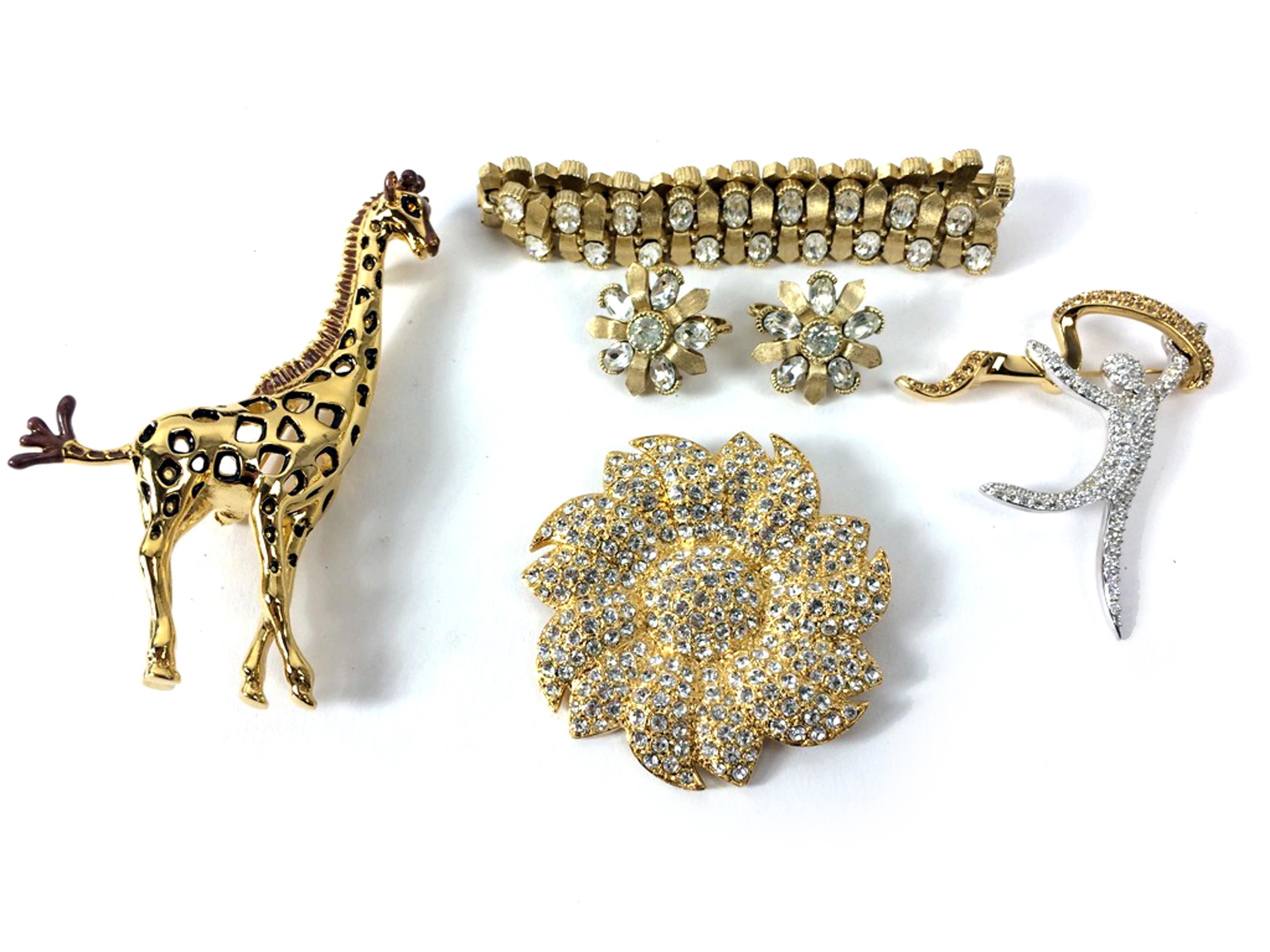 sc 1 st  AZCentral.com & 3 tips to determine value of costume jewelry
