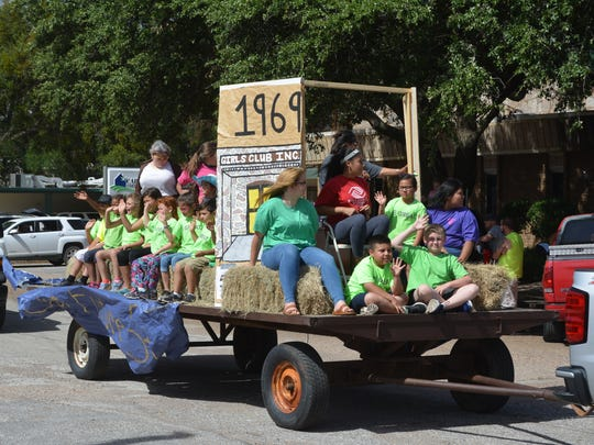 VERNON - The Boys & Girls Club float in the annual