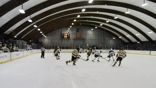 Scarsdale is hosting Mamaroneck on Monday at E.J. Murray Skating Center.