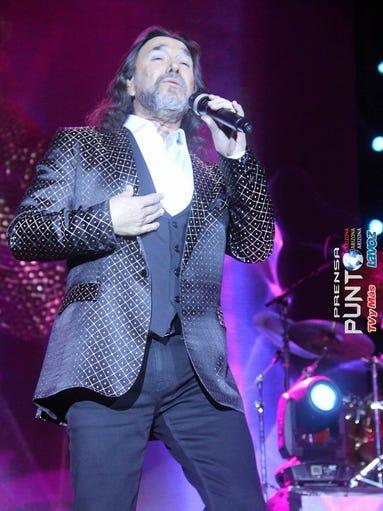 El cantautor mexicano Marco Antonio Solís se presentó