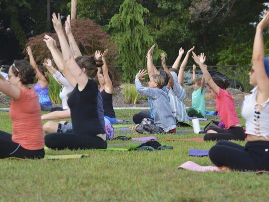 BMN 042816 Free yoga