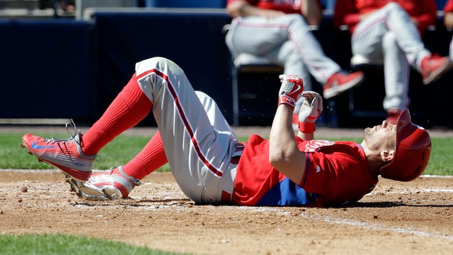 Instead of putting young players in the outfield, the Phillies plan to start 32-year-old Grady Sizemore.