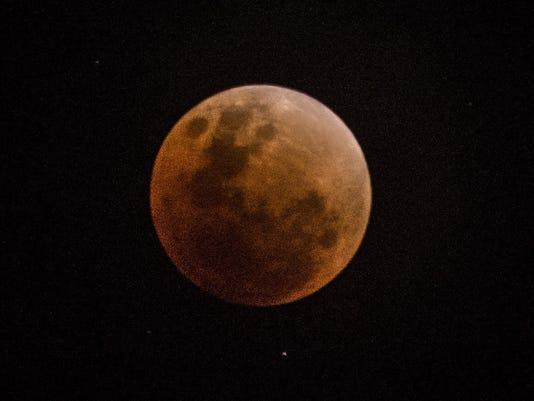 636530982794493324-moon.jpg