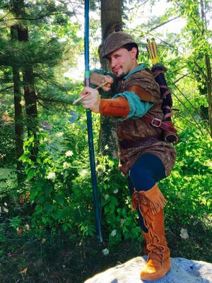 Andrew Cruse will portray Robin Hood in the Ohio Shakespeare festival radio play online Saturday morning.