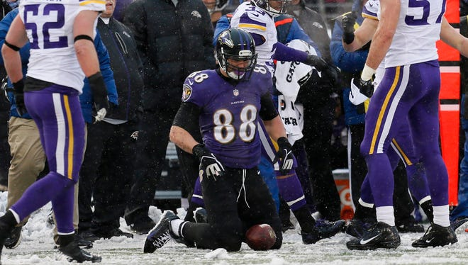 Ravens TE Dennis Pitta (88) played in just four games in 2013.
