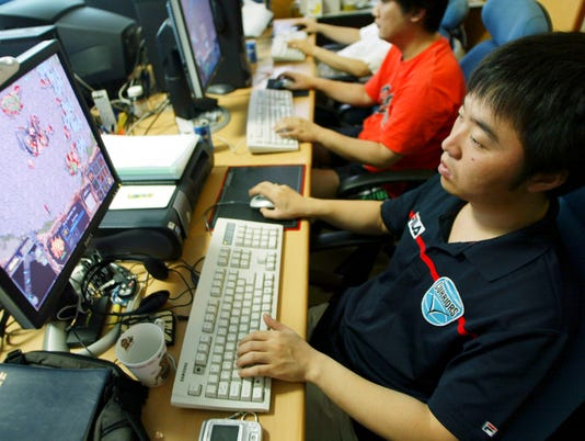 South Korean Online Gamers Achieve Celebrity Status