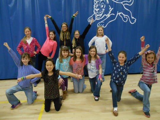South Mountain Elementary School Fourth and fifth grade girls at South Mountain Elementary School enjoyed a new sport this year. Thanks go to Mrs. Torkelson for teaching and leading the girls in Poms. Participants were Paige, Estella, Pahdong, Saige, Megan, Fiona, Tess, Morgan, Anika, Hadley (missing from the photo), Karlie, Ella and Rayna. The girls showed great participation, enthusiasm and respect.