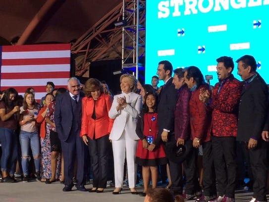 Tanto Vicente Fernández como los Tigres del Norte felicitaron