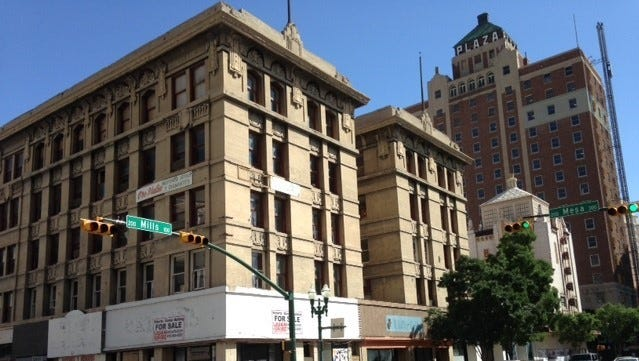 The vacant, 108-year-old Roberts-Banner Building is for sale, killing a group's plan to put modern offices and ground-floor shops there.