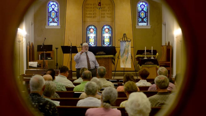 Dr. Charles Page presented a religion lecture Wednesday at B?nai Israel. Dr. Charles Page speaks July 19 at B'nai Israel.