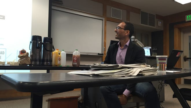 Eric Lipton, two-time Pulitzer Prize winning New York Times Reporter, spoke to the staff of the Vermont Cynic on Saturday. Lipton, a 1987 University of Vermont graduate, was editor of the student newspaper.