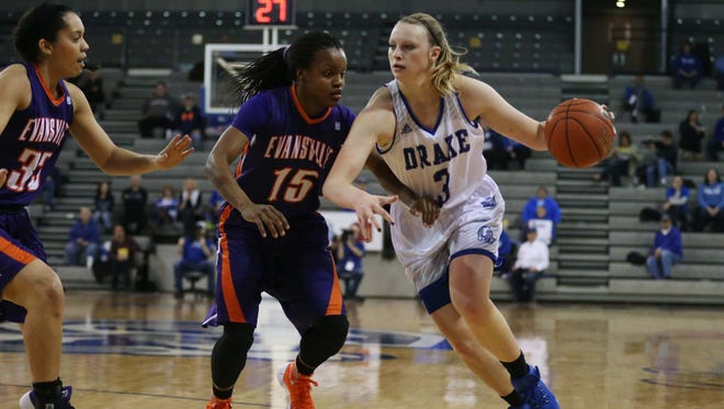 Drake's Lizzy Wendell drives to the basket for a layup during the Bulldogs' win over Evansville.