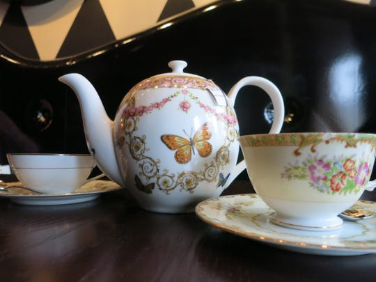 Mad Hatter in Birmingham is a combination modern American bistro, wine and cocktail bar, and afternoon tea room with an atmospheric Alice in Wonderland motif. Tea is served in china or ceramic pots with delicate bone china cups.