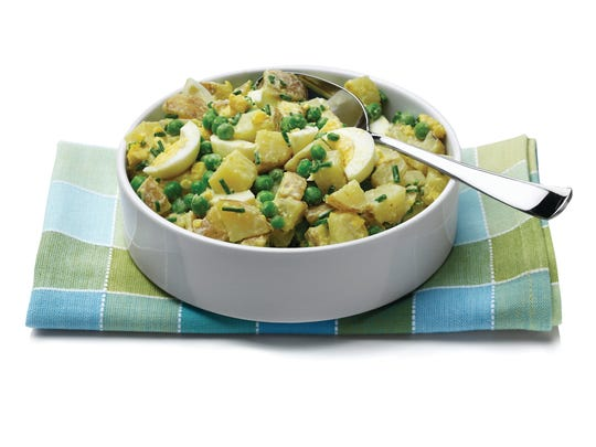 XXX_CREAMY_POTATO_SALAD_WITH_EGG__PEAS__AND_CHIVES_48691432