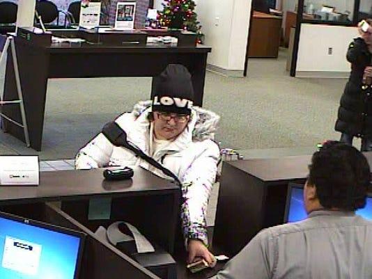 IA Des Moines Highland Park Robbery 12-08-14 (6) (2).jpg