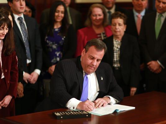 Governor signs healthcare legislation