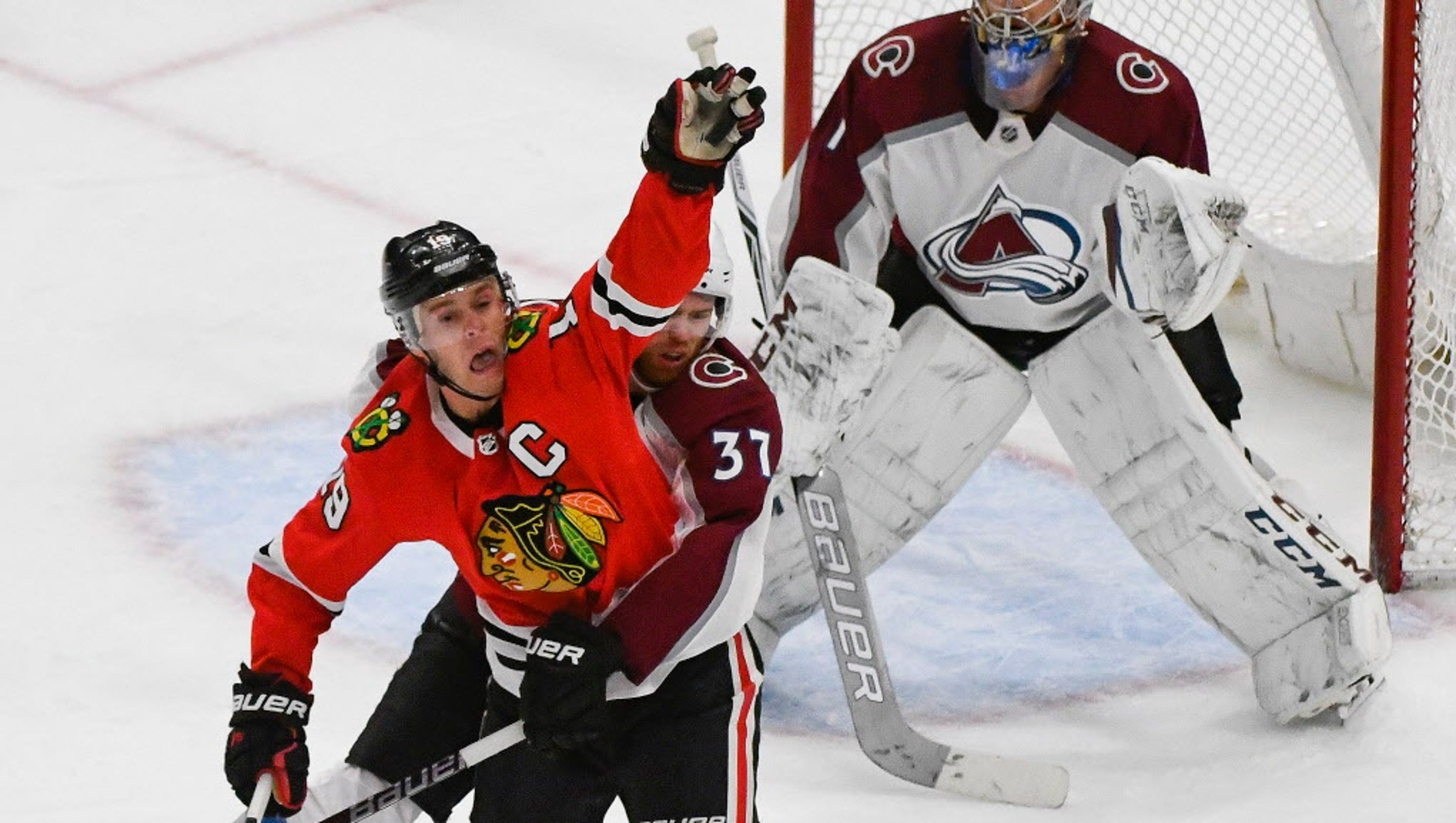 636571901558478658-usp-nhl-colorado-avalanche-at-chicago-blackhawks-98580328