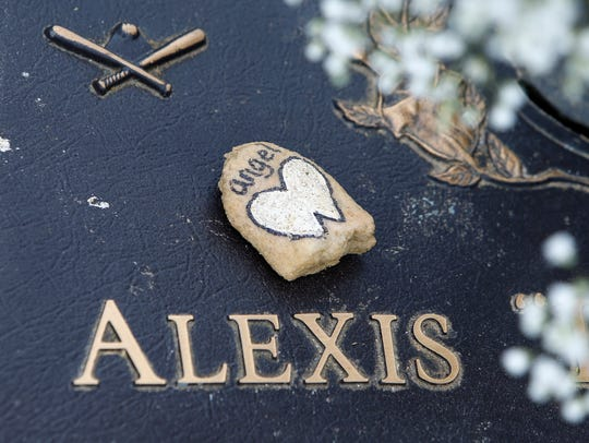 "The grave maker of Alexis ""Lexie"" Jones, granddaughter"