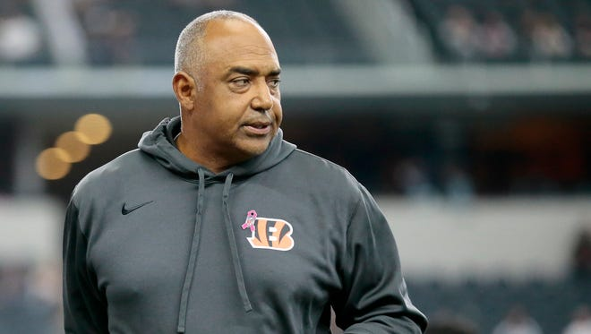 Cincinnati Bengals head coach Marvin Lewis paces the field during warm ups before the NFL Week 5 game between the Dallas Cowboys and the Cincinnati Bengals at AT&T Stadium in Dallas on  Sunday, Oct. 9, 2016.